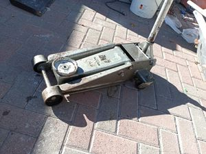 Car jack 3 tone for Sale in Los Angeles, CA