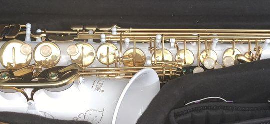 Alto Saxophone for Sale in Sanger,  CA