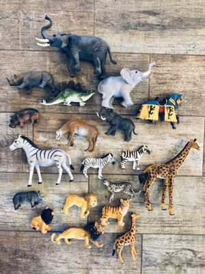 19 Plastic Animals - If Is Posted Is Available for Sale in Grand Island, FL