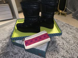 Tori Burch-Brand NEW Snow Boots Women's Sz 10 for Sale in Atlanta, GA