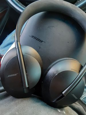 Bose Noise Cancelling Headphones 700 With Case for Sale in Vallejo, CA
