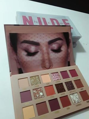 Huda beauty Nude eyeshadow palette for Sale in West Covina, CA