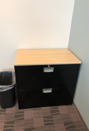 File cabinet w/ key for Sale in Atlanta, GA