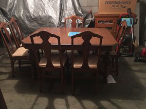 Dining Room Table with 6 chairs for Sale in Richmond, KY