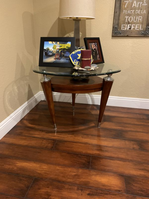 Living room set, includes coffee table, end tables and sofa table