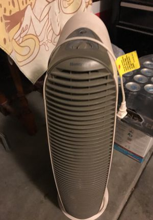 Honeywell HEPAClean tower air purifiers. With instruction book for Sale in Murrieta, CA