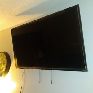 50 Inch TCL Tv for Sale in Arvada, CO