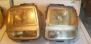 2008 Dodge Nitro Headlight Assembly - Pair (Both Driver and Passenger Sides) for Sale in Lutz, FL