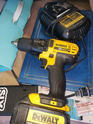 Dewalt 20vmax cordless drill driver for Sale in Chula Vista, CA
