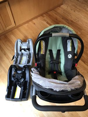 Graco Snugride 30 infant car seat, bases, and stroller for Sale in North Bend, WA