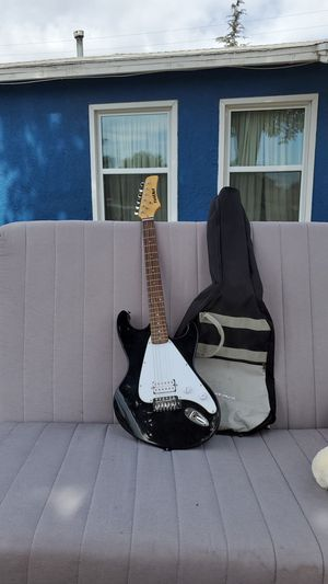 First Act Beginner's guitar for Sale in Monrovia, CA