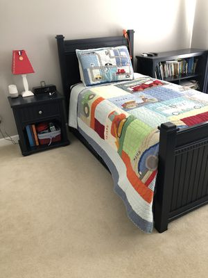 Bedroom Furniture Set - Navy Blue, 5 pieces for Sale in Fairfax Station, VA