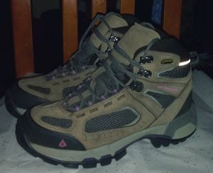 Women's Vasque Hiking Boots Size 8.5 for Sale in Clackamas, OR