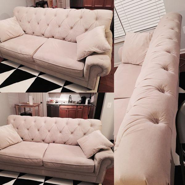 Victoria Sofa - Bob's Furniture