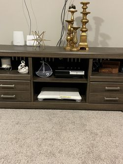 Brown TV Stand for Sale in Puyallup,  WA