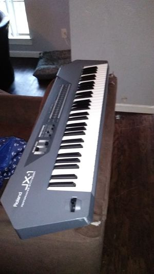 ROLAND JX-1 KEYBOARD PERFORMANCE SYNTHESIZER for Sale in Dallas, TX