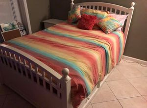Great condition! Premium Stanley Full Size Bed for Sale in Seminole, FL