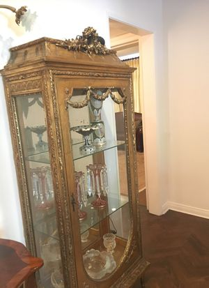 Antique cabinet for Sale in Beverly Hills, CA
