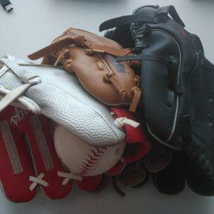 Kids Baseball Gloves, 3pc for Sale in Rochester Hills, MI