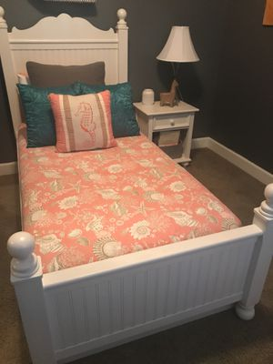 Twin bedroom set perfect!! Must go this weekend for Sale in Olivehurst, CA