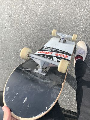 🛹 COMPLETE ACTIVE SKATEBOARD! for Sale in Chino, CA