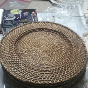 Wicker Charger Set Of 6 (Pier I) for Sale in Homestead, FL