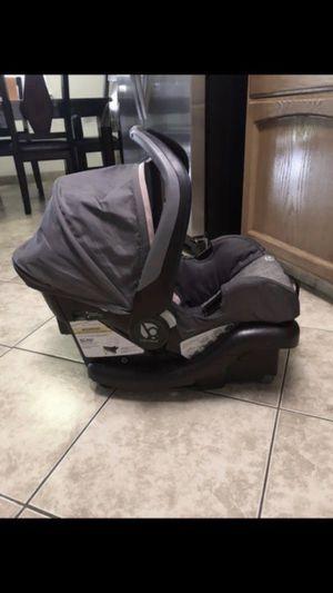 Car seat {PICK UP IN SANGER} for Sale in Sanger, CA