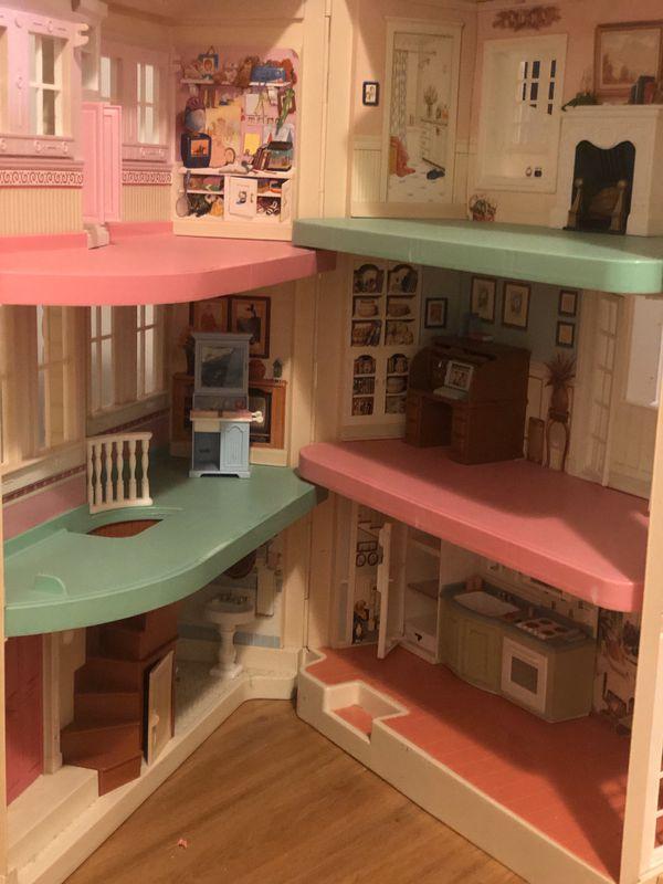 Fischer Price doll house