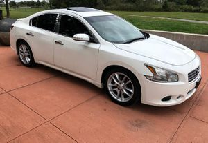 Beautiful 2O1O Nisan Maxima FWDWheelssss for Sale in Gainesville, FL