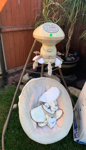 Baby swing for Sale in Cicero, IL