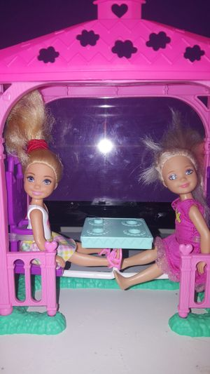 Chelsea dolls with out door play set for Sale in Newport News, VA