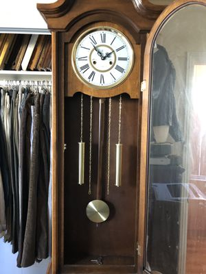 Large Antique Wall Clock Excellent Working Condition for Sale in Glendale, CA