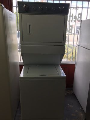 """Maytag stuckable washer and dryer 27""""W in excellent condition plus 6 months warranty for Sale in Pompano Beach, FL"""