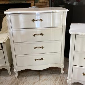 Vintage 2 Piece Drawers Set Princess Style for Sale in Downey, CA