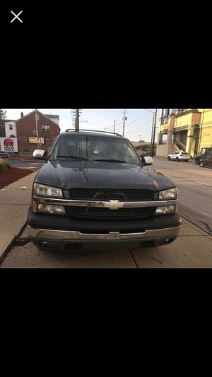 2004 Chevy Avalanche for Sale in Cleveland, OH