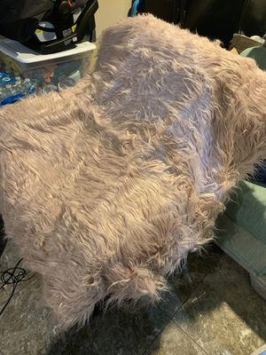 Faux fur throw blanket /rug for Sale in North Las Vegas, NV