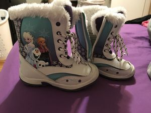 Toddler Frozen snow boots size 10 for Sale in Alexandria, VA