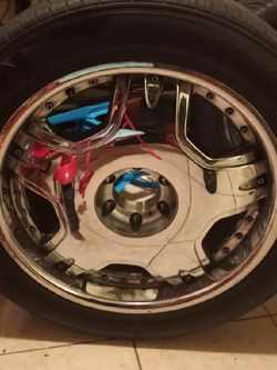 (4)22 Inch Used Tires & Rims for Sale in Los Angeles,  CA