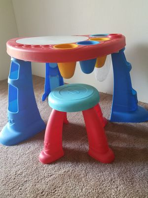 Kids activity table chair set for Sale in Maryland Heights, MO