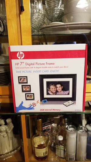 Digital Picture Frame for Sale in Manchester, CT