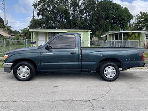 Toyota Tacoma 97 (Manual) for Sale in Miami Gardens, FL