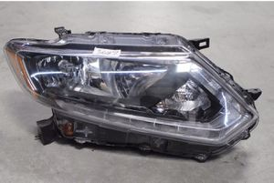 2014 2015 2016 Nissan rogue headlight for Sale in Tampa, FL