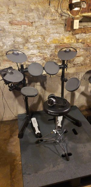 Yamaha DTX400K electronic drum kit for Sale in Winter Haven, FL