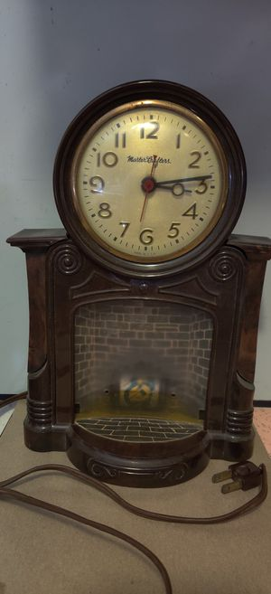 Antique Clock by Mastercrafters model 272 for Sale in Los Angeles, CA