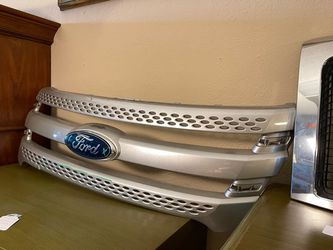 Ford Explorer Grill for Sale in Casselberry,  FL