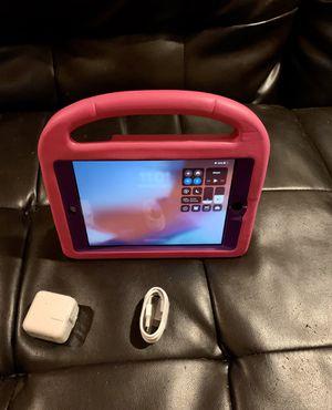 Apple ipad Mini 2-32gb with kids styrafoam carry case for Sale in Fullerton, CA