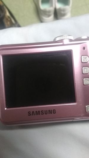 Samsung pink digital camera for Sale in Louisville, KY