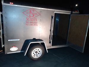 10x5 enclosed tráiler for Sale in Anaheim, CA