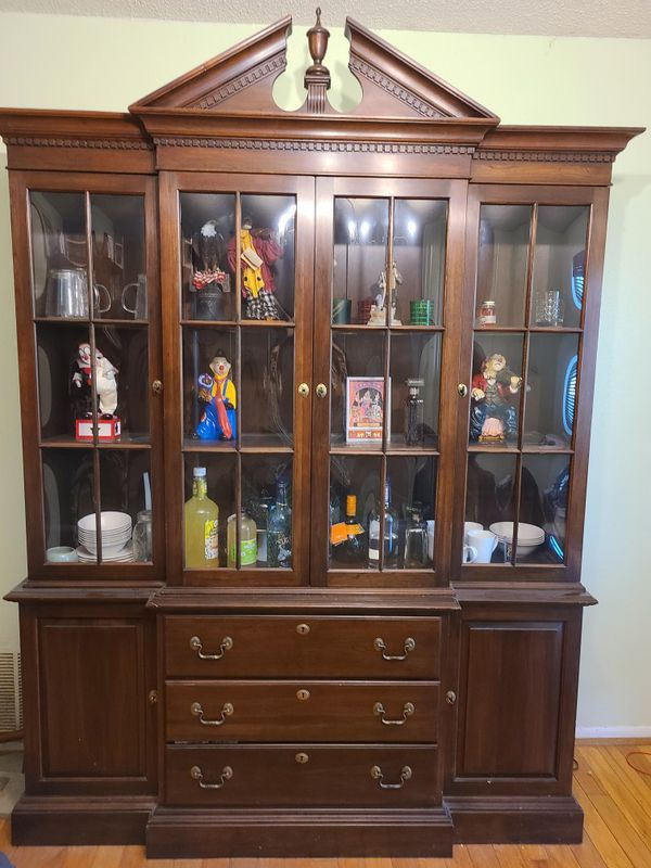 Ethan Allen China cabinet for Sale in San Antonio, TX ...