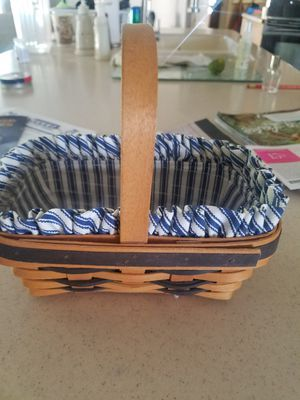 Longaberger basket with liner and plastic protector for Sale in Anthony, NM